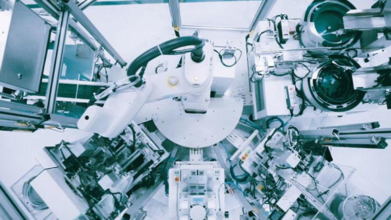 ロボット・マシン・画像センサ・安全の統合制御がもたらすモノづくり革新